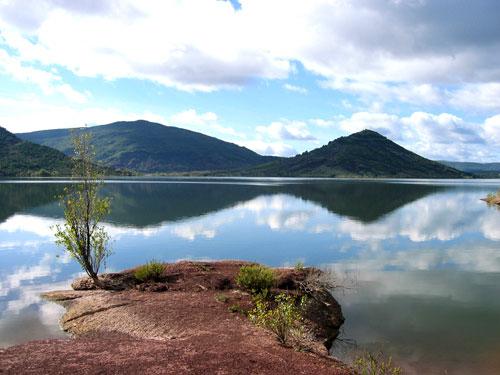 Le lac du Salagou (Hérault)